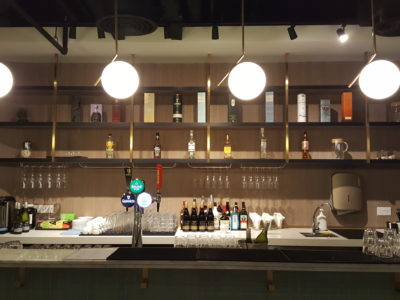 OUE Social Kitchen Offering Communal Space For Hosting Your Guests - Bar