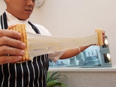 Nesuto x 52 Sandwich Shack Offering Amazing Cheese Sandwiches - Putting the Cheese Pull to the test