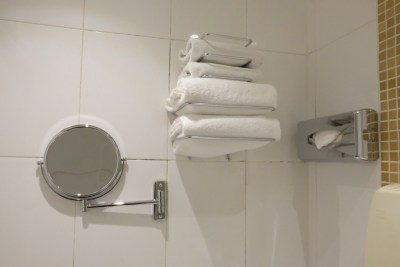 Hotel Avalon Paris, A Cosy Hotel Which Is A Stone Throw To Gare Du Nord - Towels