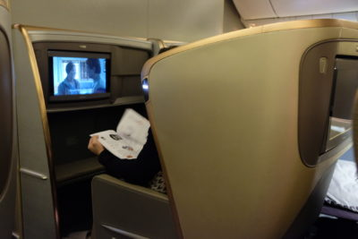 Singapore Airlines Business Class SQ333 From Paris To Singapore Flight Journey Review - Seats