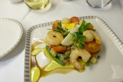 Singapore Airlines Business Class SQ333 From Paris To Singapore Flight Journey Review - Marinated Prawns Nicoise Salad
