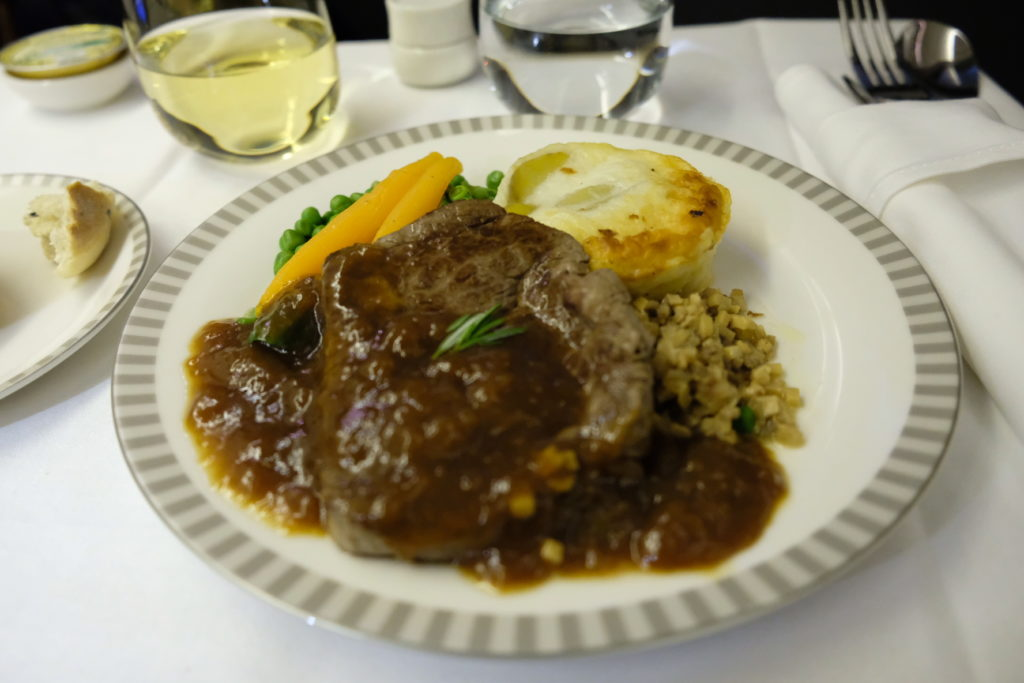 Singapore Airlines Business Class SQ333 From Paris To Singapore Flight Journey Review - Book A Cook, Beef Bourguignon with mashed potato