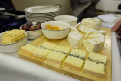 Singapore Airlines Business Class SQ333 From Paris To Singapore Flight Journey Review - Cheese Seelction
