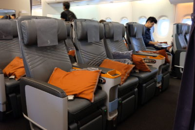 Flying Singapore Airlines Premium Economy SQ833 From Shanghai To Singapore - Premium Economy Seats