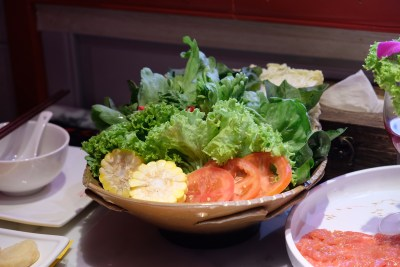 Spice World Hot Pot, A Tough Competitor For Haidilao At Clarke Quay - Vegetable Platter 素菜拼盘