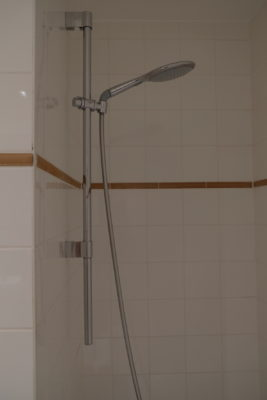 Hotel Montanus In Bruges, A Homely Feel Hotel With Warm And Friendly Hotel Crew - Shower nozzle