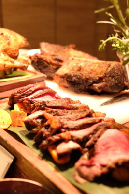 Ginger At PARKROYAL On Beach Road Dishing Pincer Feast - Roast Beef
