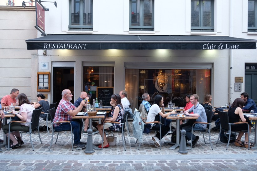 Le Clair de Lune Restaurant In Lille - Al Fresco during Summer