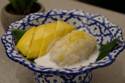 Un-Yang-Kor-Dai Dishing Delicious On Point Authentic Thai Food At South Bridge Road - Sweet Sticky Rice with Mango ($9)