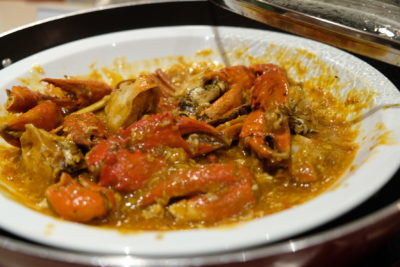Go Local Buffet At Four Points Eatery In Four Points By Sheraton Singapore Riverview - Chilli Crab