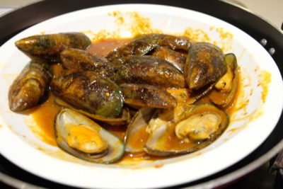 Go Local Buffet At Four Points Eatery In Four Points By Sheraton Singapore Riverview - Mussels