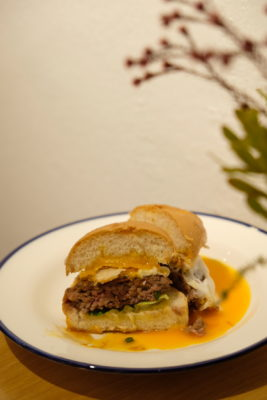 Grids & Circles, Cafe With Workshop In A Conservatory Shophouse Along South Bridge Road - Modanyaki Angus Beef Slider