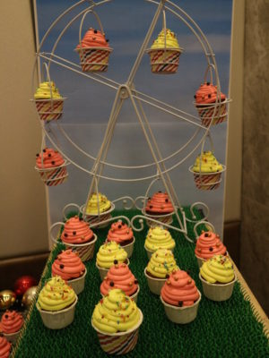 Santa's Christmas Circus Festive buffet at Mercure Singapore Bugis - Mini ferris wheel of cupcakes