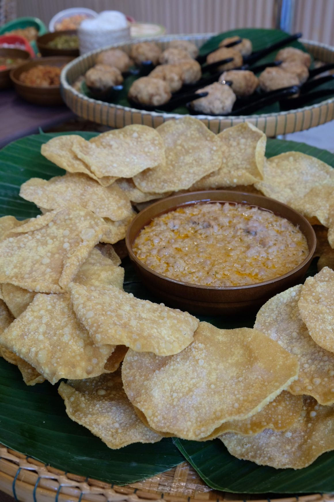The Great Baan Ying Brunch On Weekends - Kiew Krop Na Tung (Crispy Wanton Skin with POrk and Shrimp Dip)
