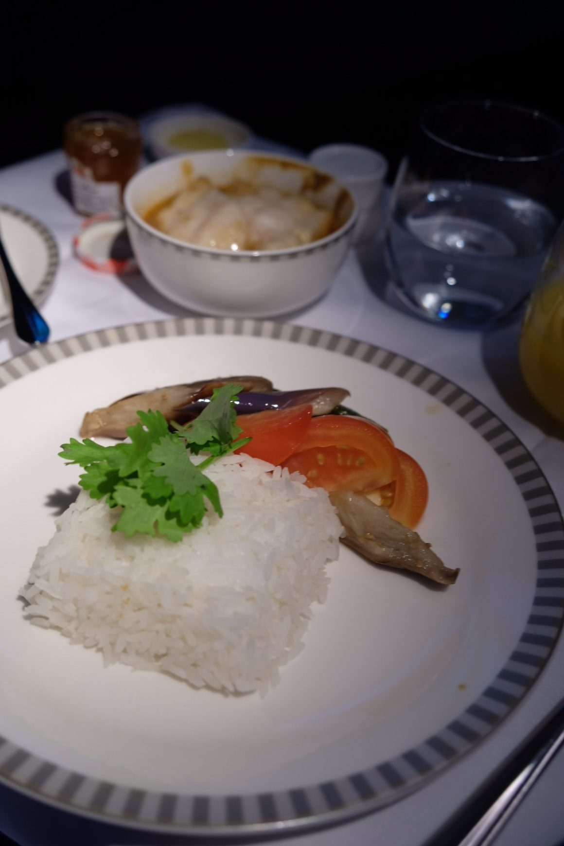 Singapore Airlines Business Class SQ334 From Singapore To Paris – Rice for the Nonya Assam Fish