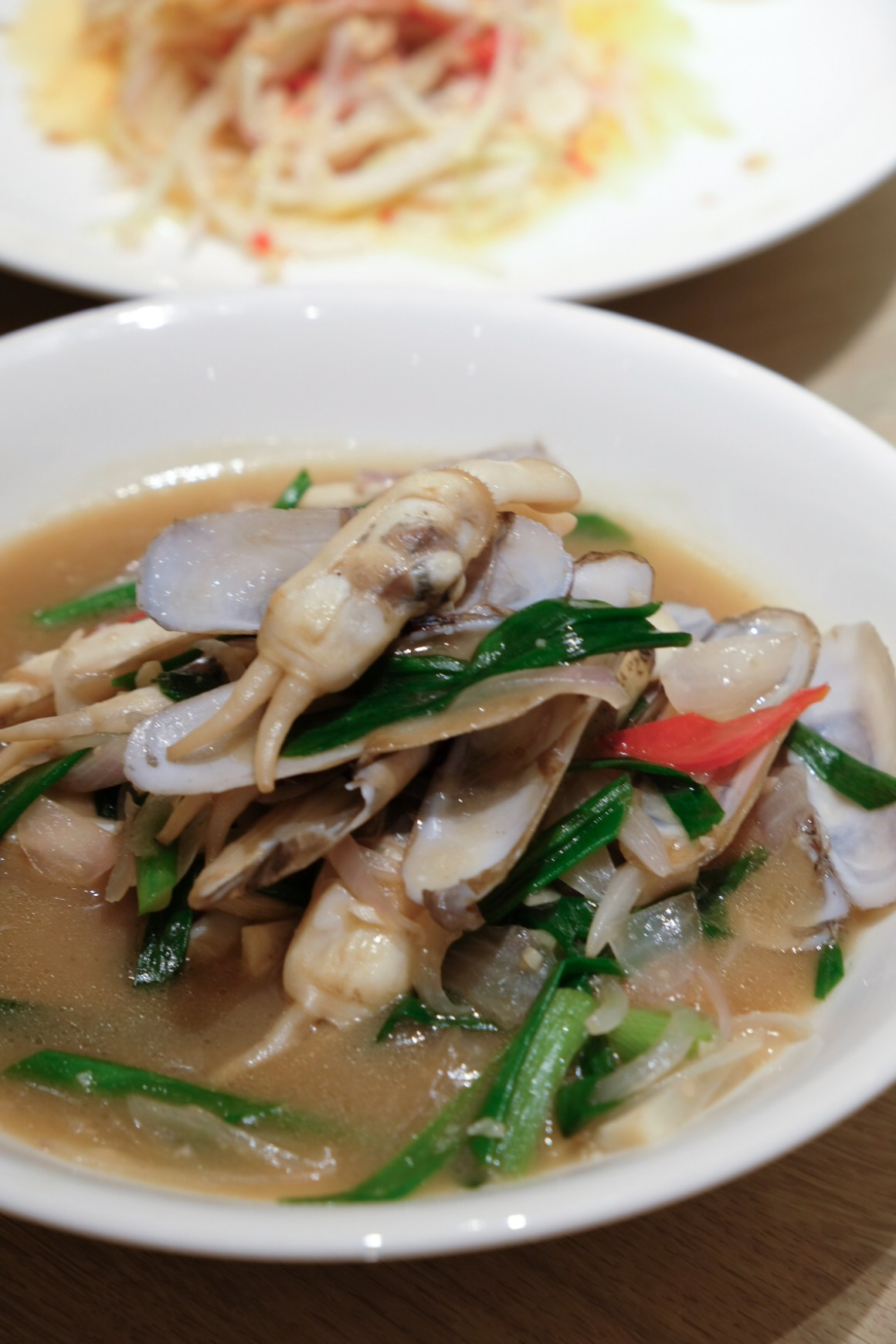 Stir-fried DUO TOU Clam with Ginger and Spring Onion 姜葱炒蛏
