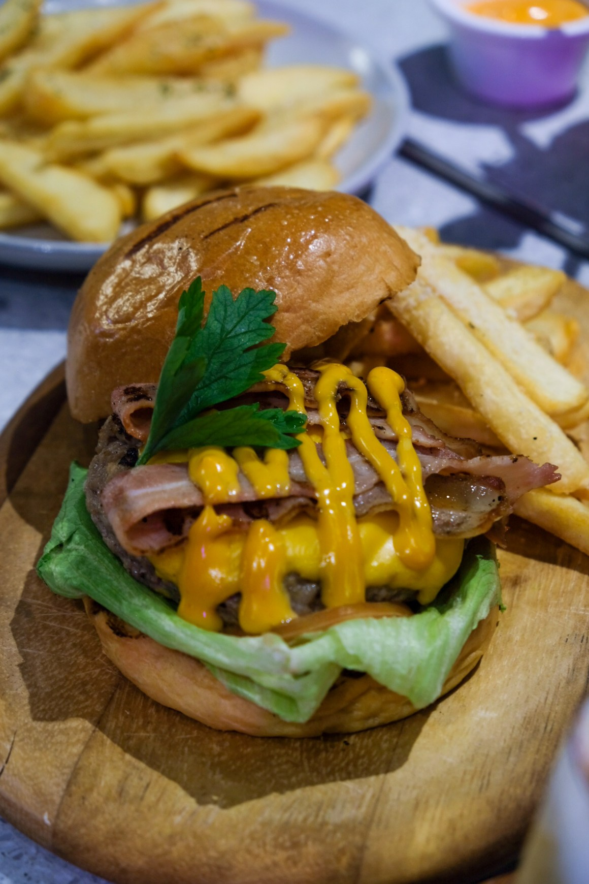 Rumours Bar & Grill @ Jewel Changi, Second Outlet - Rumours Classic Cheeseburger ($16.80)