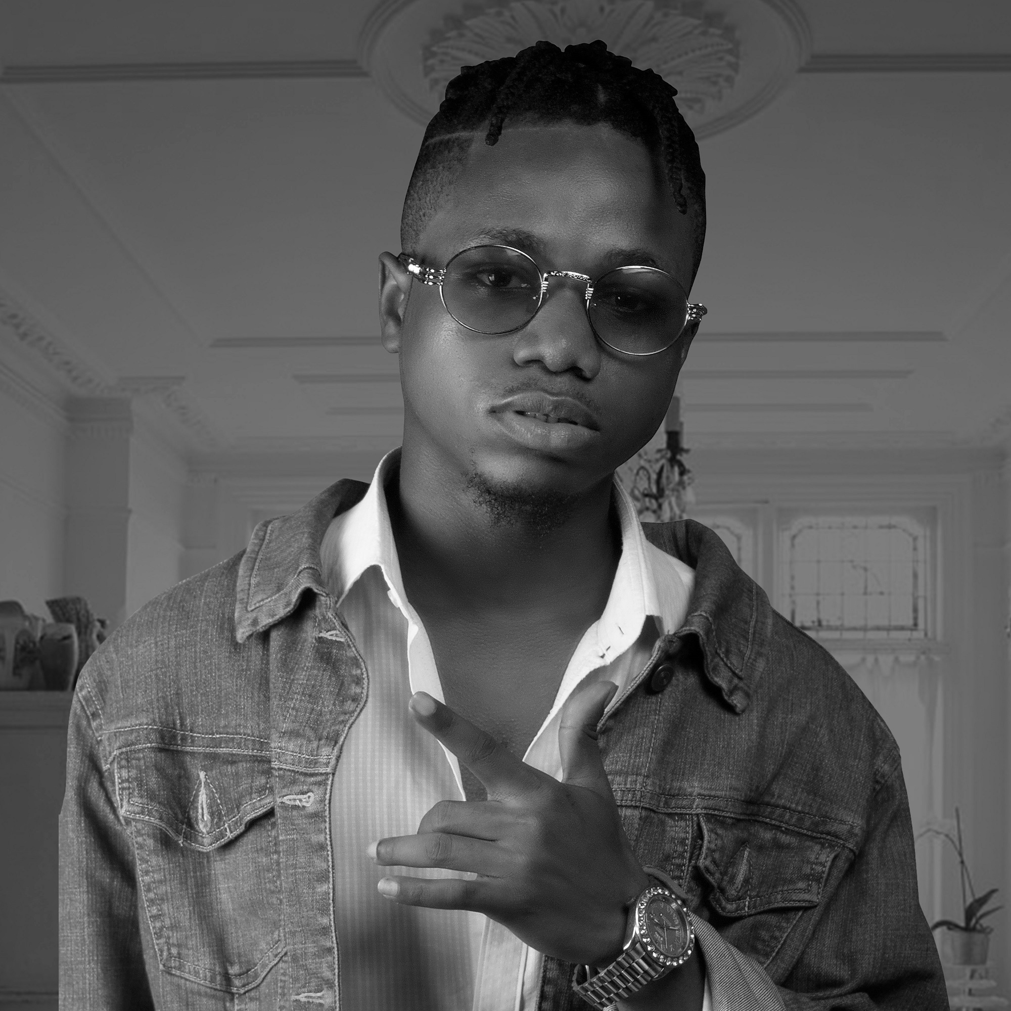"""Celebrity Gist: Please you guys should raise funds for me to shoot a video for my single """"THE INDUSTRY"""" - Independent Artist """"Hotice Exclusive"""" Begs his fans"""