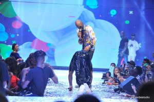 Davido Prostrates To 2face On Stage At His #30BillionConcert (Photo)