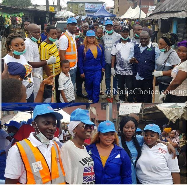 See What Nollywood Actress, Dayo Amusa Was Seen Doing In Public (Photos)