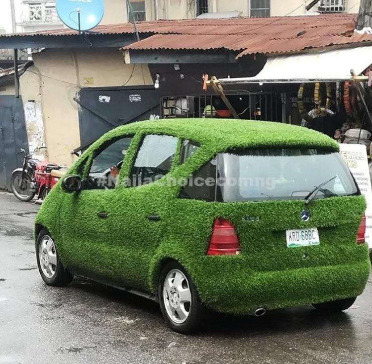 » Check Out This Car Covered With Green Carpet Rug Spotted In Lagos (Photos) «