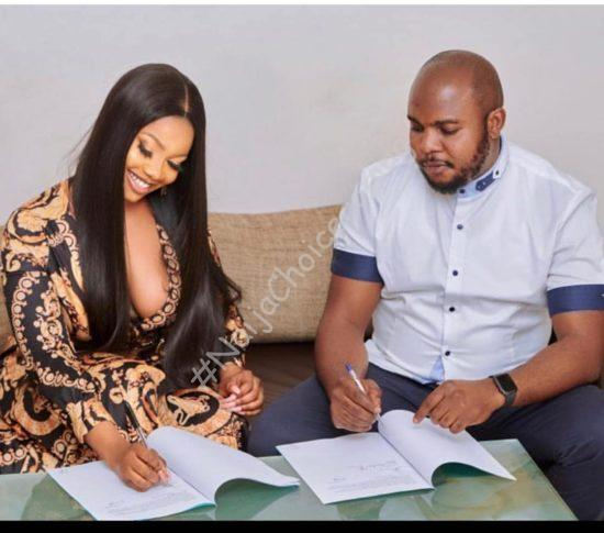 """""""Pack your cleavage in when signing endorsements"""" – Kemi Olunloyo tells Tacha how to dress decently"""