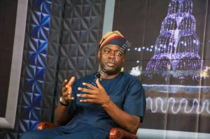 Seyi Makinde To Pay 13th-Month Salary, Still Using His Private Car