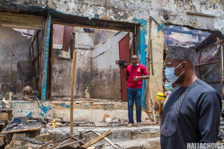 Seyi Makinde Visits The Scene Of The Fire Outbreak At Dugbe, Ibadan