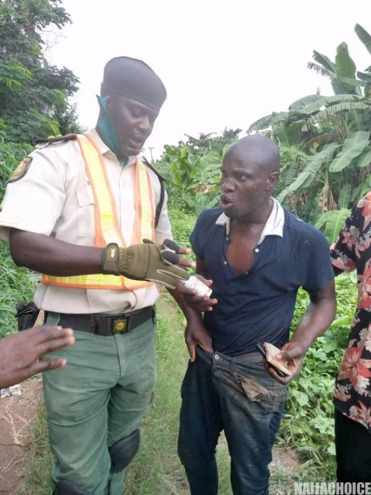 Man's Suicide Attempt At Ogun River In Abeokuta Aborted (Photos)
