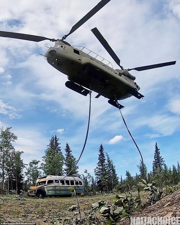 Tourists Are Dying Trying To Reach This Abandoned Bus In Alaskan Wilderness (Pics)