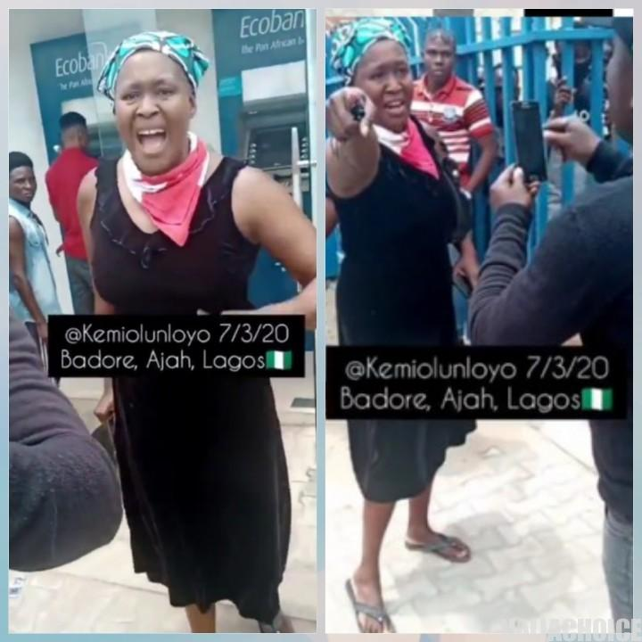 The Moment Kemi Olunloyo Clashed With SARS Officers In Front Of Ecobank In Lagos