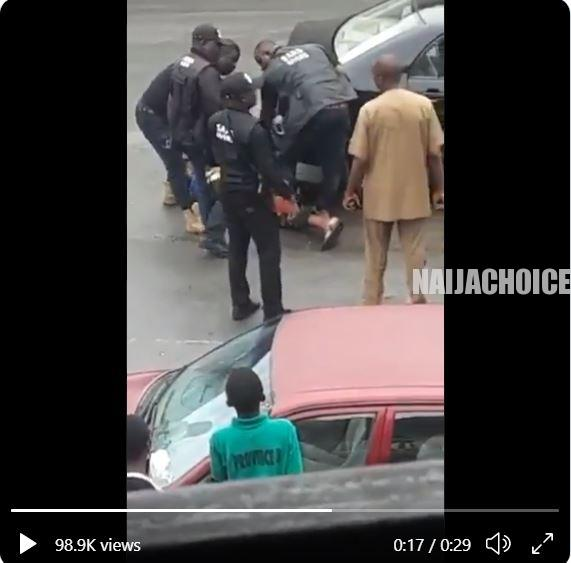 SARS Officers Beat Up A Man In Port Harcourt (Video)