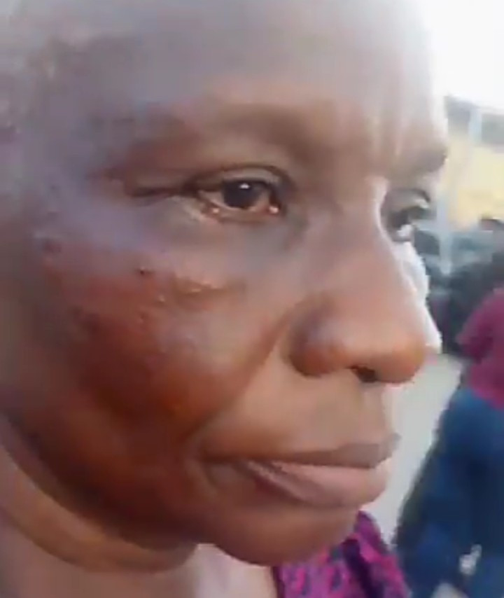 #EndSARS: Elderly Woman Slapped By Police For Pointing At A Police Station
