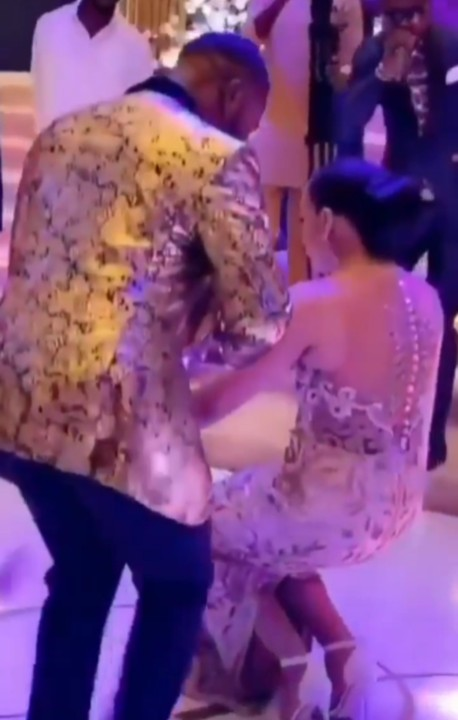 Video Of Williams Uchemba & Wife Dancing At Their Wedding As He Sprays Her Money