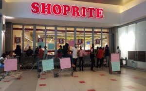 Shoprite Workers Embark On Protests In Ibadan, Shut Down Company Indefinitely
