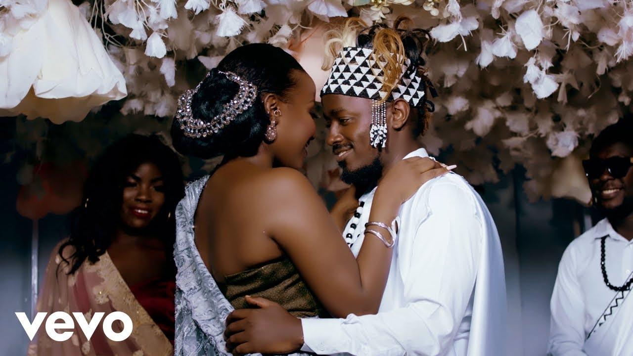 Ykee Benda – Banange Ft. Lydia Jazmine mp3 download