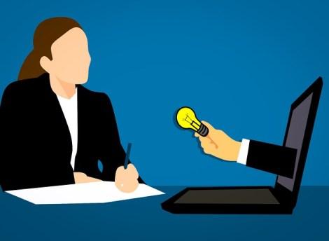 quallity of successful bloggers: good communicator