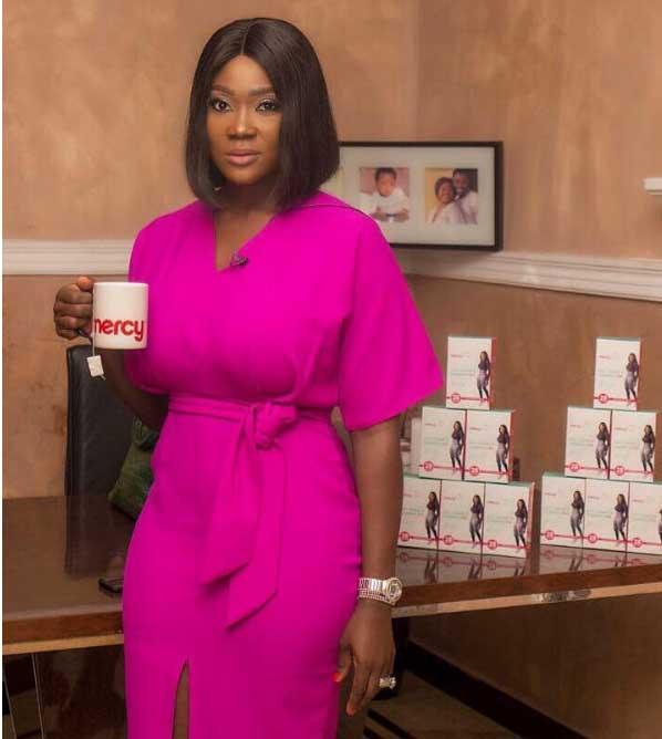 Mercy Johnson promoting her flat tummy tea brand.
