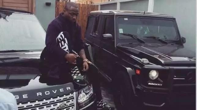 Davido owns a Mercedes Benz G-Wagon
