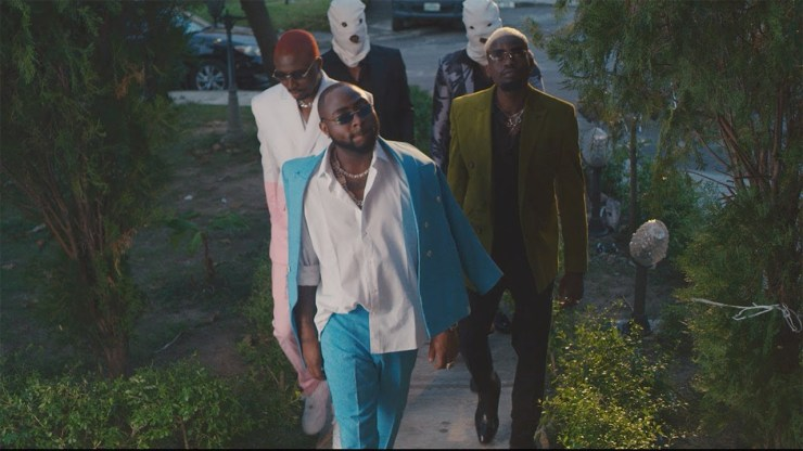 VIDEO!: Ajebo Hustlers Ft. Davido - Barawo (Remix)