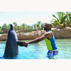 b1 Banky W Swimming With Dolphin In Dubai (Photos)