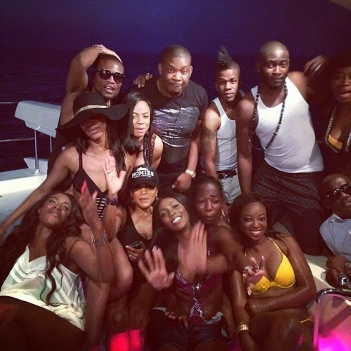 tiwa3 500x500 Tiwa Savage,Husband And Friends Go On Boat Cruise In Dubai (Photos)