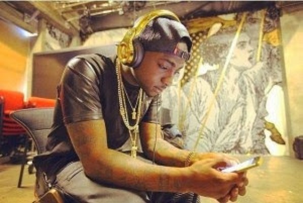 davido MONEY SPEAKING!! Davido Bought Expensive Cars For His Manager And His Producer [See Photos]