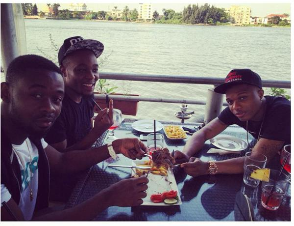 Sarz et Wizkid WHATS BEEF? Sarz Enjoys Lunch With Wizkid To Prove You Wrong [See Photo]