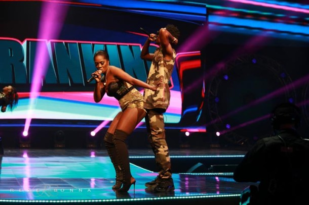 patoranking ft tiwa savage REZE8826 700x466 Tiwa Savage Grinds Patoranking On Stage & Forgets Her Husband [See Photos]