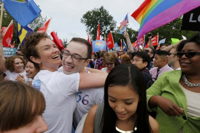 2015-06-26T142824Z_01_WAS202_RTRIDSP_3_USA-COURT-GAYMARRIAGE-4809