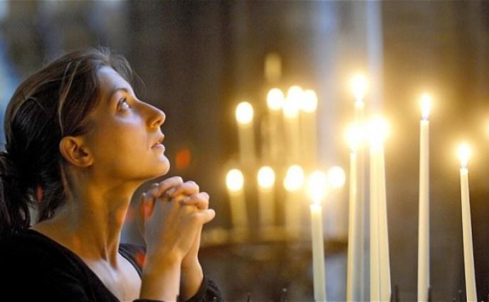 woman-church_2553390b