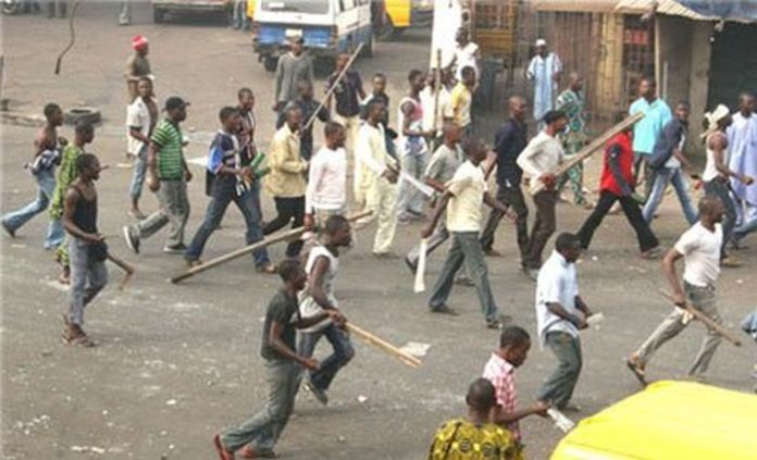 NURTW clash 700x425 - OH NO!!! 1 Person Feared Dead As Cult Groups Clash In Lagos