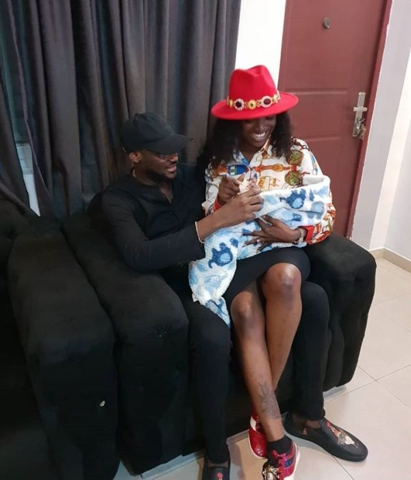 2Baba And Annie In A Loved Up Photo As They Visit Toyin Abraham's Family 2