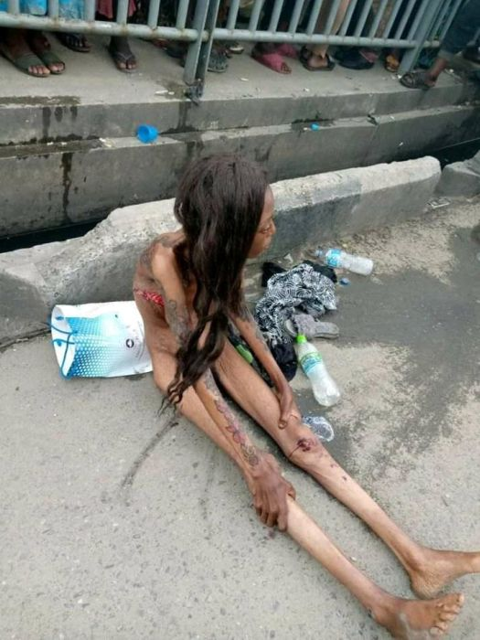 SHOCKING!!! See The Terrible Thing That Happened To A Lady After Been Dropped By A Car In Ajah (Photos) 4